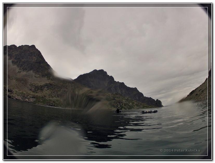 Pohľad z vody na Kriváň